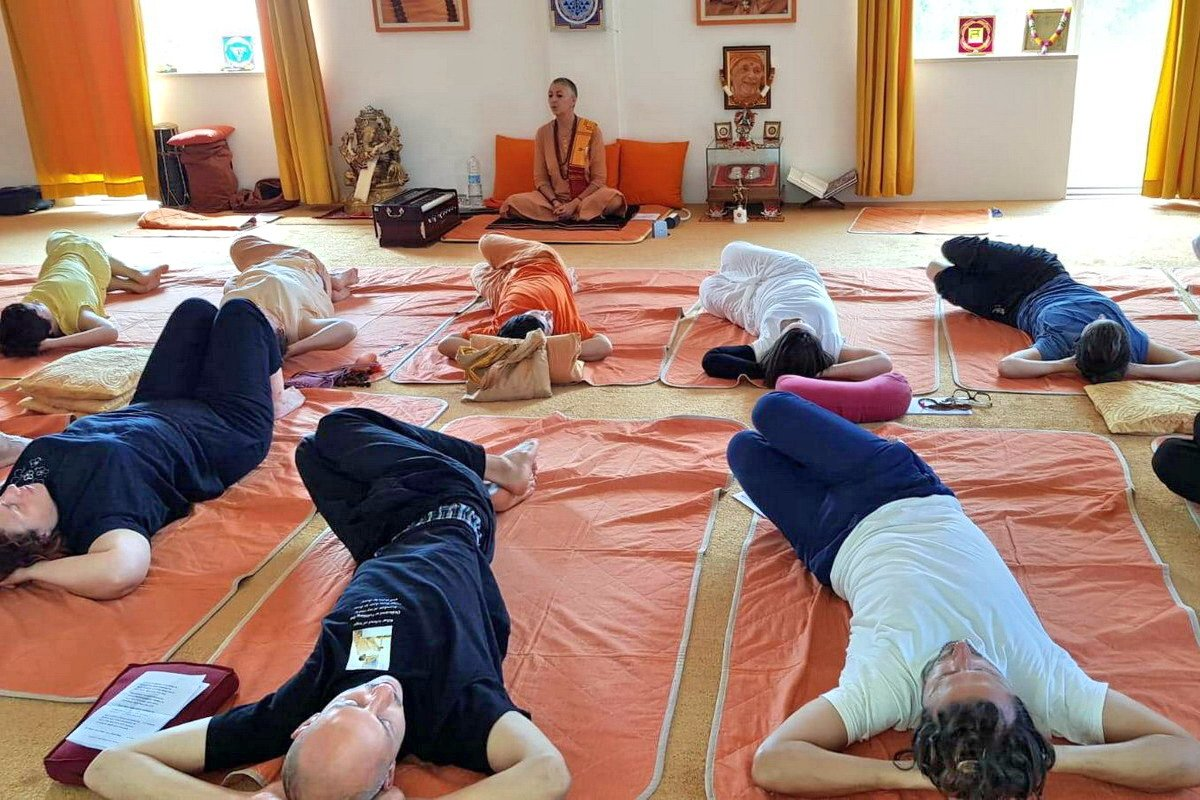 Corsi di Yoga a Montescudo - Satyananda Ashram Italia
